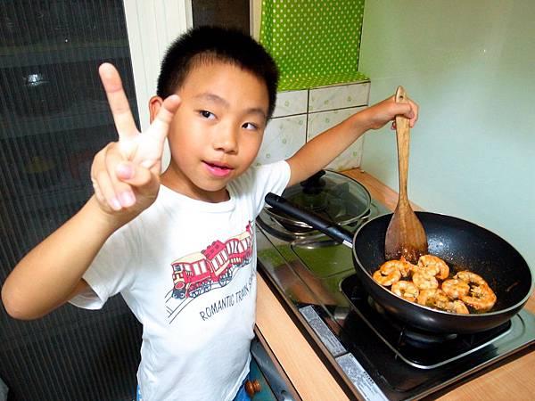 3.Jerry首次乾煎白蝦