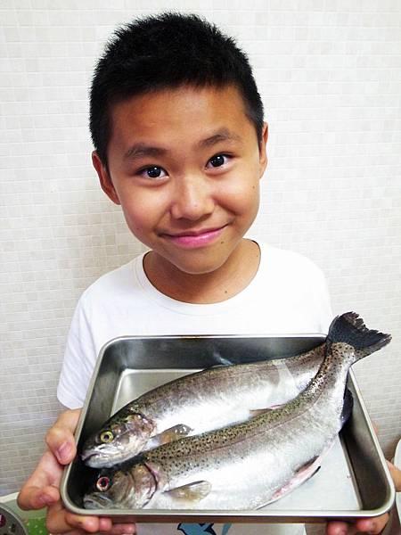 1.現撈鱒魚