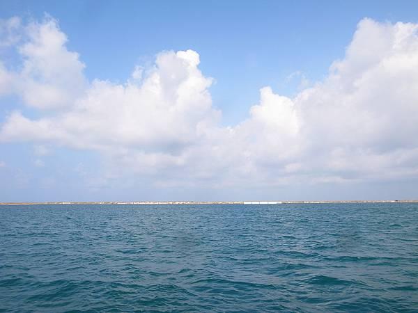 26.徜徉在海中央