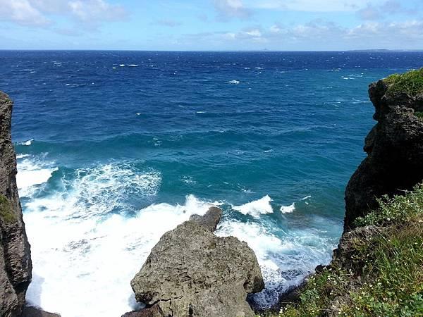 30.多層湛藍色的海