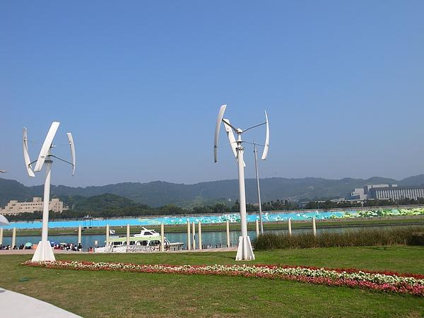 9-1大佳河的風力發電機.JPG