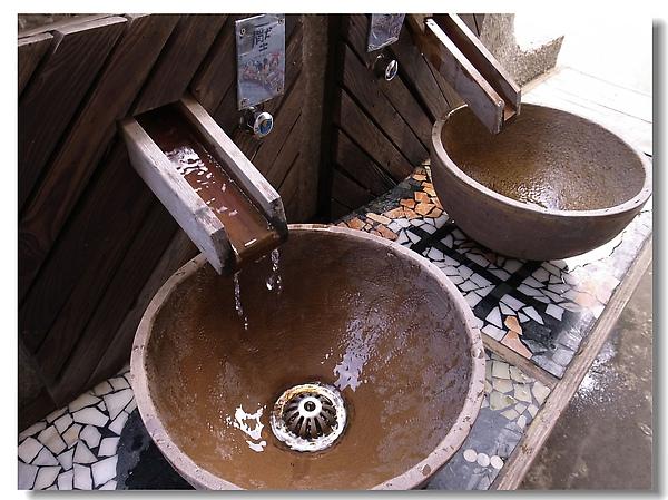 6.廁所外的洗手枱.jpg
