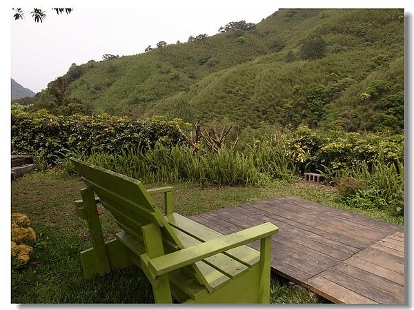 1-5靜看山巒的休憩椅.jpg