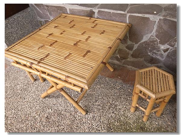 14.涼爽的竹篇桌椅.jpg