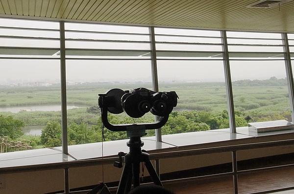 6.有高倍望遠鏡看鳥.jpg