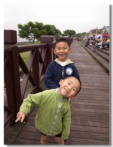 19.開心的兩兄弟.jpg
