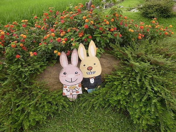 20.白兔綠意造景.jpg