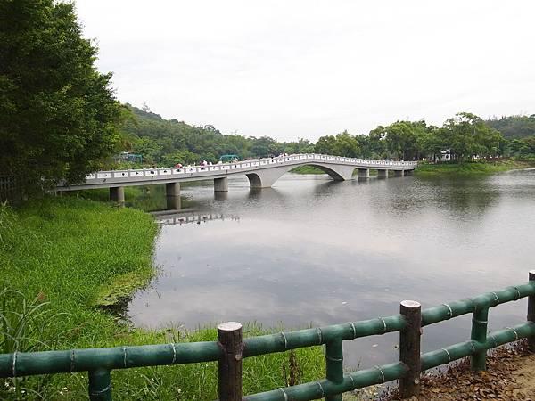 8.近看映月橋.JPG