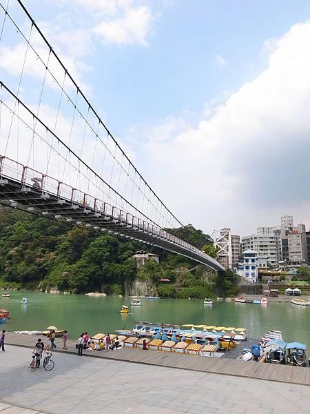 4.橫跨碧潭的吊橋.JPG