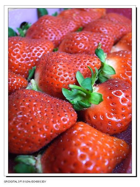 6.手工嚴選的碩大草莓.JPG