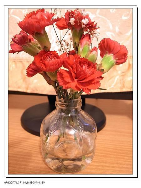 2-1小瓶裝康乃馨.jpg