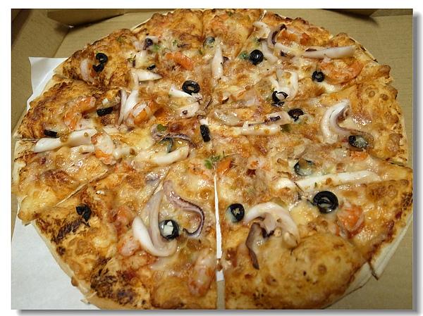10.薄片海鮮披薩.jpg