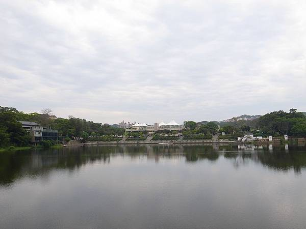 10.湖光山色.JPG