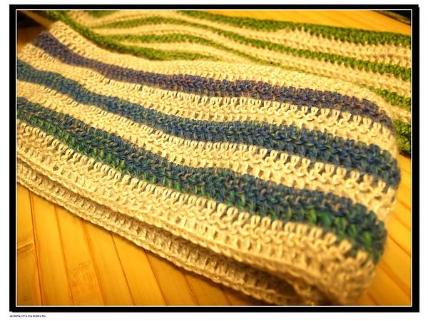 2.用勾針織了兩條兒童圍巾.jpg