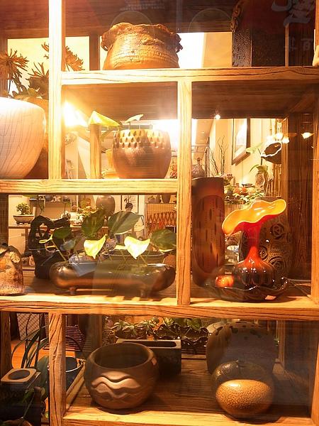 9.中央市場內的陶藝品.jpg