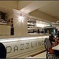 7.DazzLing櫃台.jpg