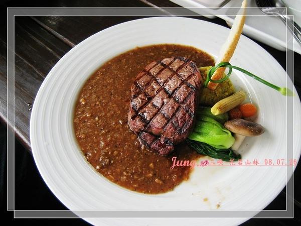 10.花岩-老公點的-岩烤紐西蘭一級菲力牛排 (肉也很嫩好吃)