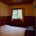 今天我與老公睡的地方,簡單的和室,但還蠻乾淨的,我們這一間是十人房裡的其中一角~