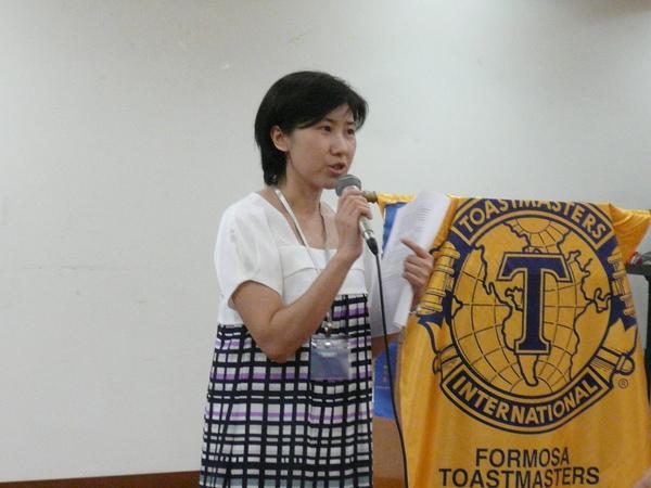 08 Toastmaster of the Evening - Ida Lin.JPG