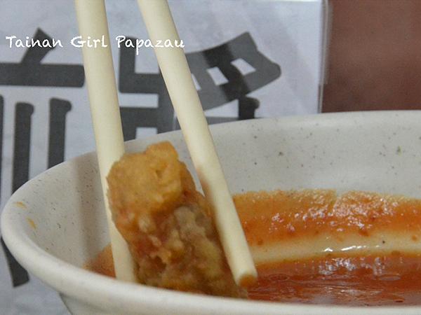 蚵仔煎醬配蝦卷