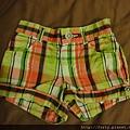 GYMBOREE,12-18M,格子短褲,約台幣300。明年夏天的。
