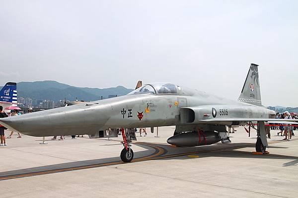 松山空軍基地_01.JPG