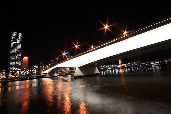 Brisbane 河岸夜景_11.JPG