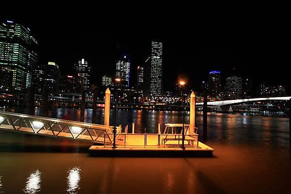 Brisbane 河岸夜景_08.JPG