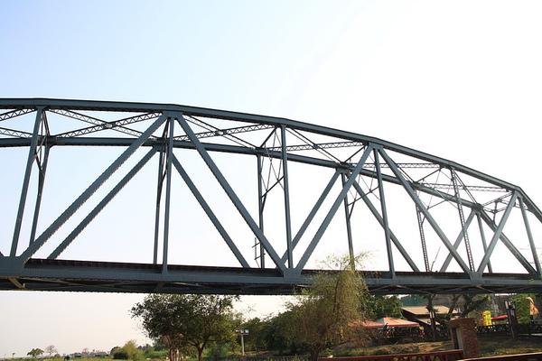 舊鐵橋2.JPG