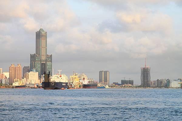高雄港3.JPG