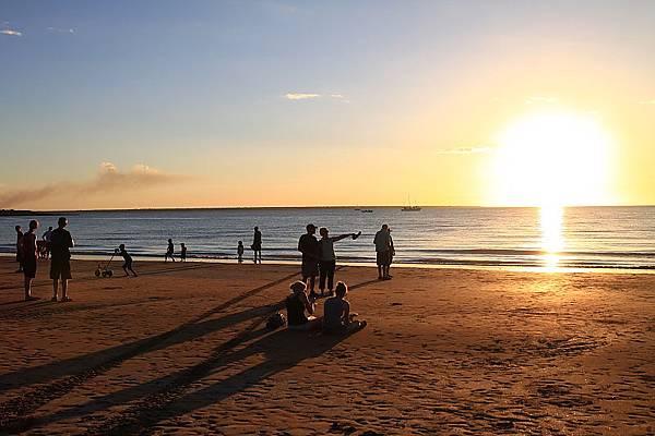 mildil sunset market19.JPG