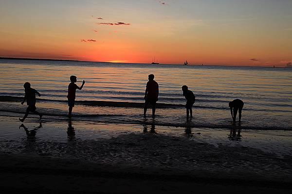 mildil sunset market35.JPG