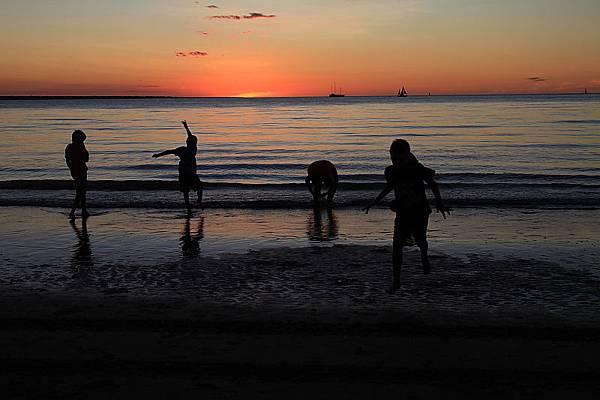 mildil sunset market36.JPG