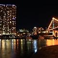 Brisbane 河岸夜景_16.JPG