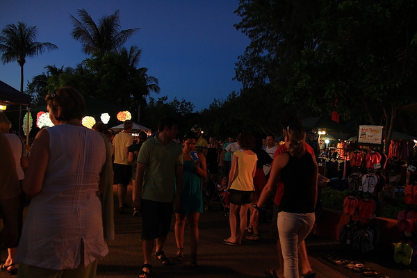 mildil sunset market40.JPG
