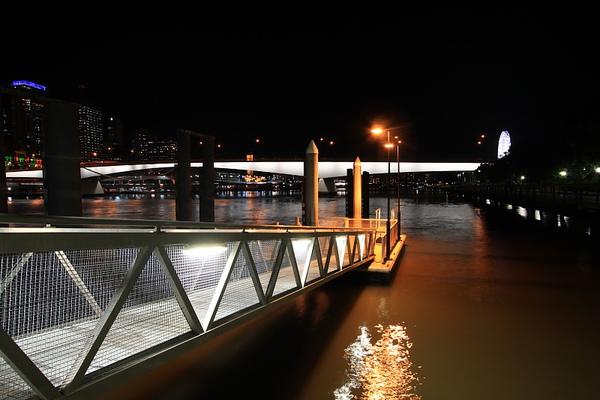 Brisbane 河岸夜景_07.JPG