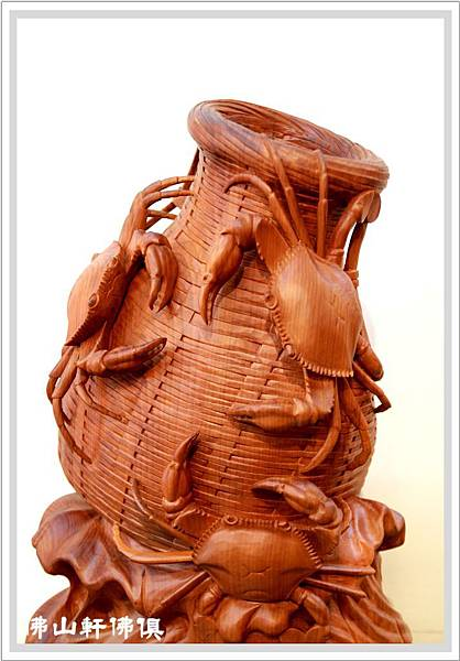 【佛山軒佛具工藝品】國寶紅豆杉-一體成型全木雕竹簍螃蟹