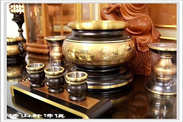 佛桌素漢式黑檀深框木雕佛聯8