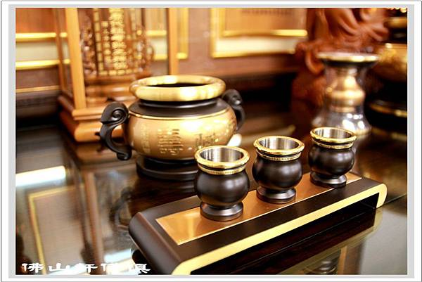 佛桌素漢式黑檀深框木雕佛聯7