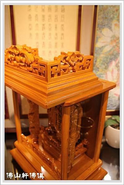 台灣檜木手工精雕祖龕1