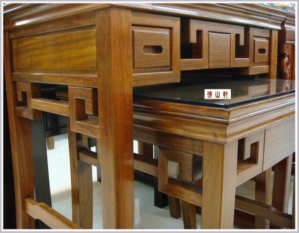 八(發)腳神桌佛桌3呎6高2呎9寬220100120.JPG