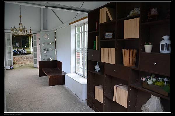 書房內.jpg