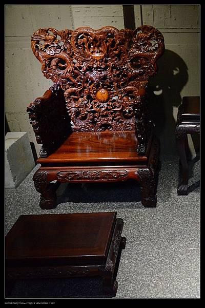 龍椅.jpg