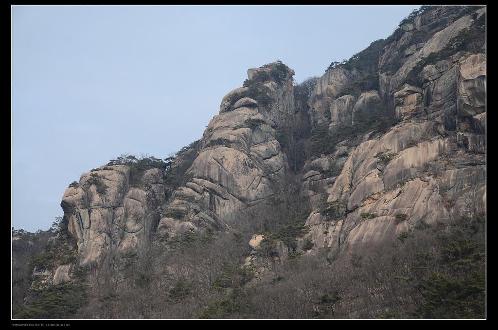 岩石.jpg