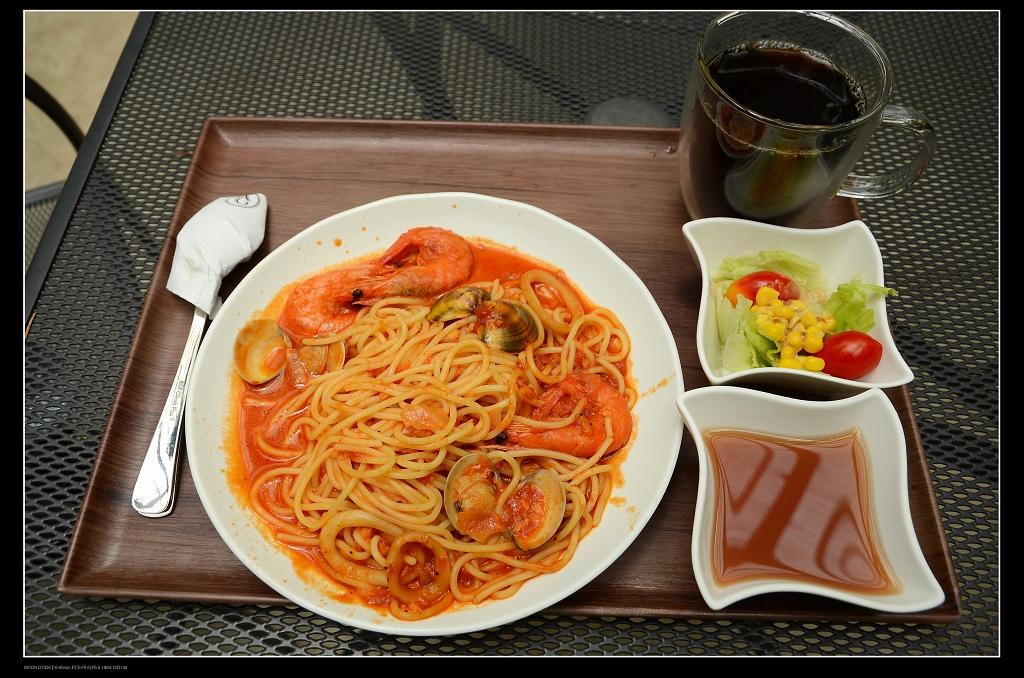 番茄海鮮義大利麵.jpg