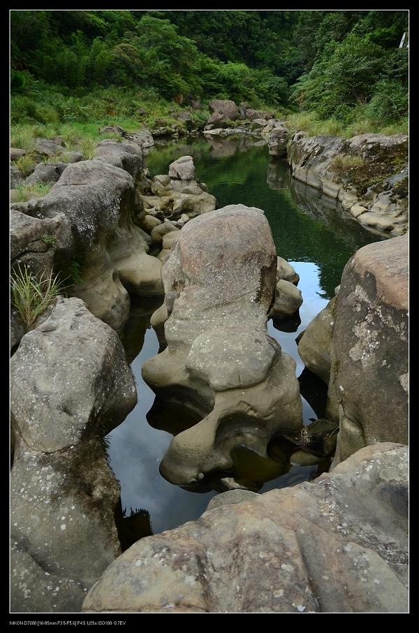 岩石2.jpg