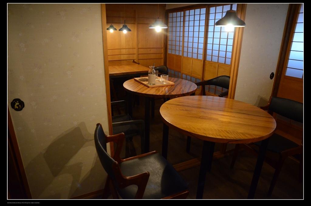餐桌1.jpg