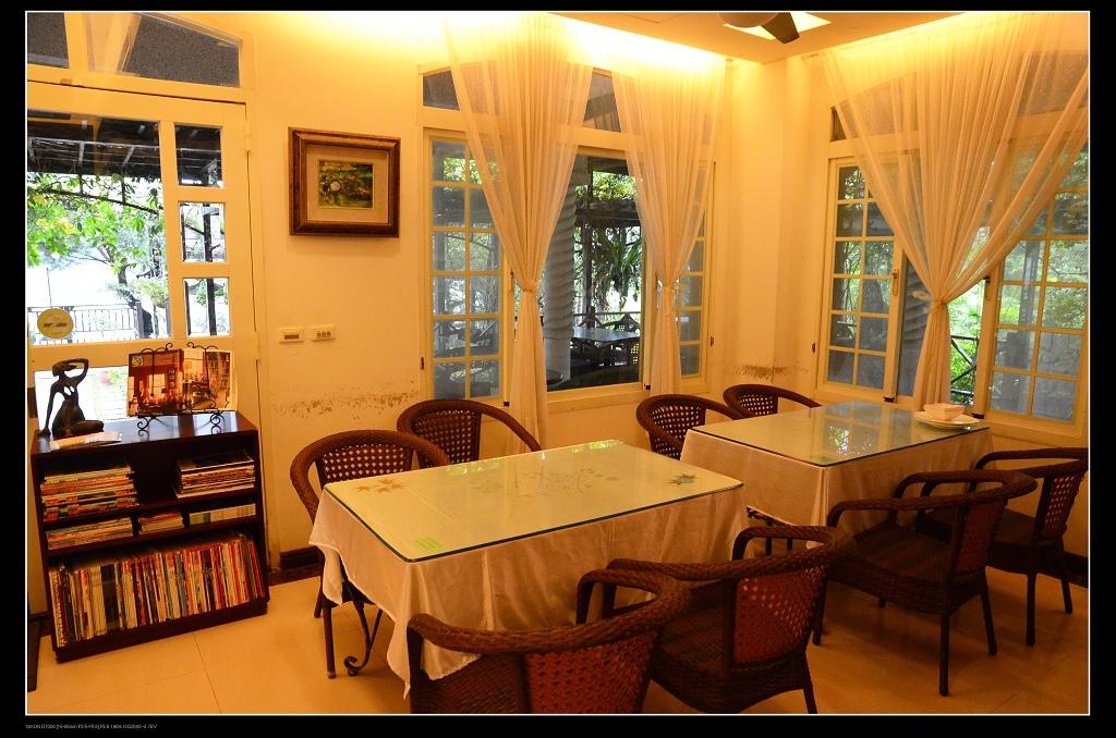 室內餐桌.jpg