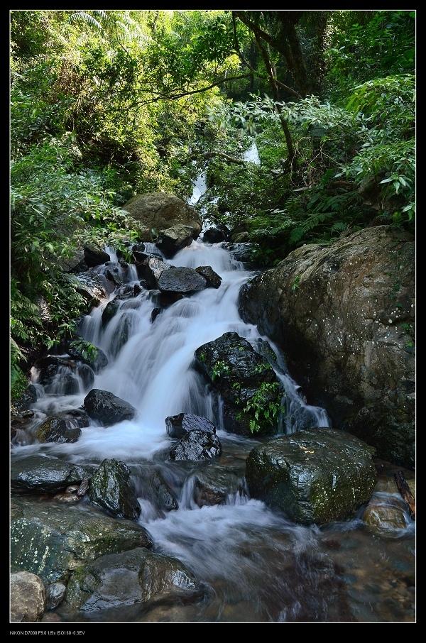 4小池瀑布.jpg