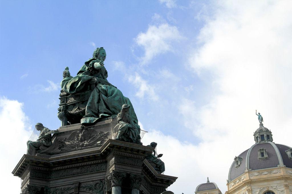 瑪麗亞特蕾莎雕像